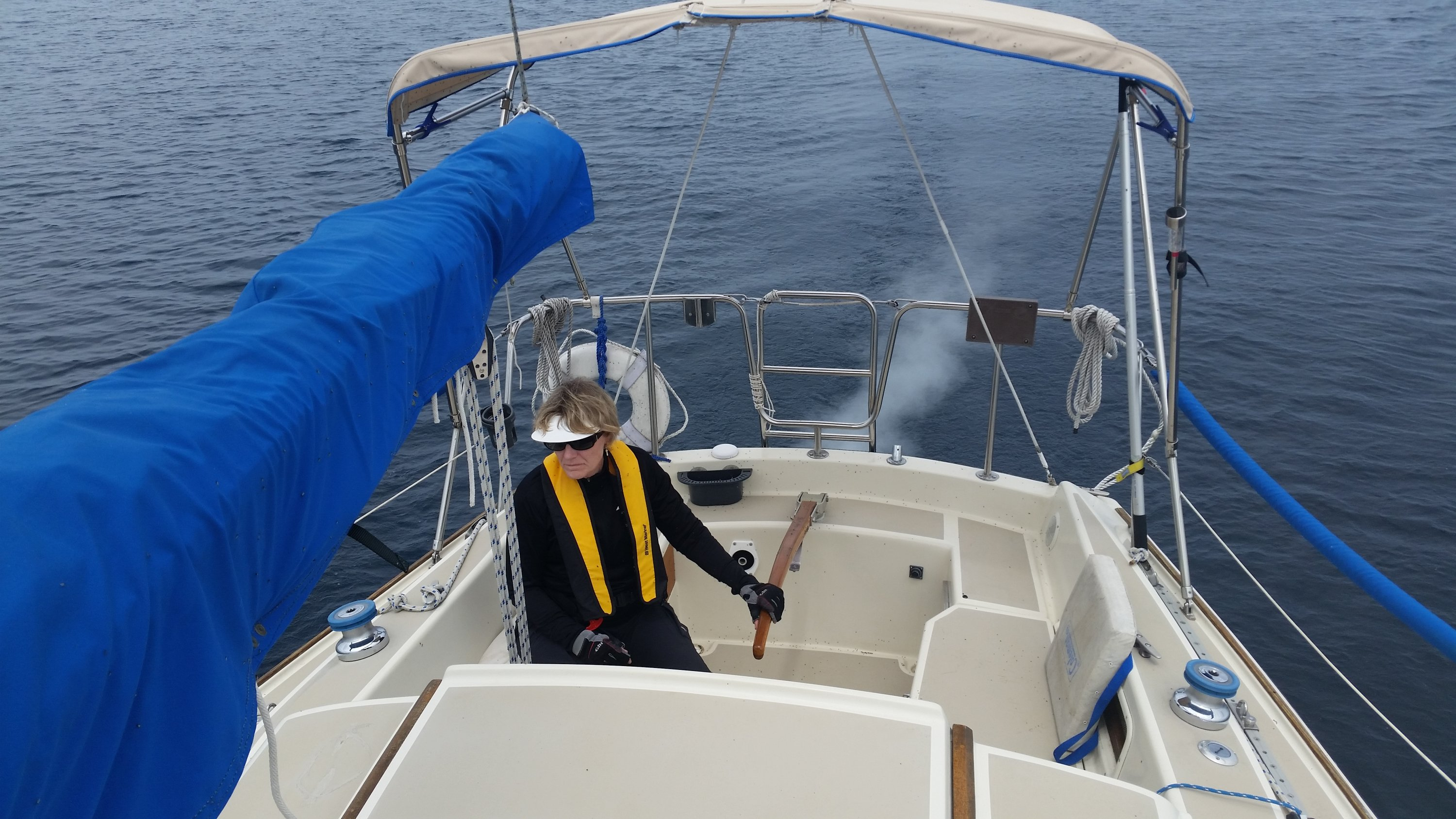5411 White Smoke at tailpipe | SailboatOwners com Forums