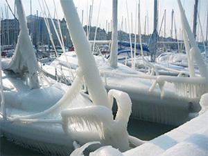 frozenboat.jpg