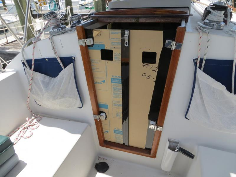 Lexan boat doors chaparral boat door hatch 588 1065002 for Boat cabin entry doors