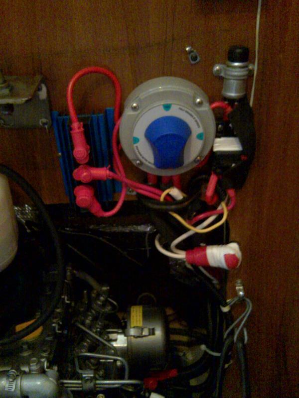 battery charging heart interface sailboatowners com forums new enginestartbatteryswitch 2ndstartbutton jpg