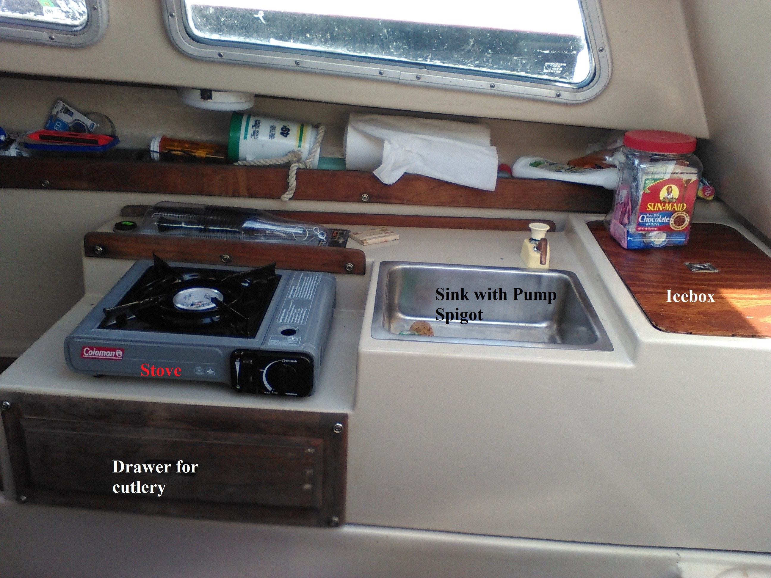 Starboard side Dinette annotated.jpg